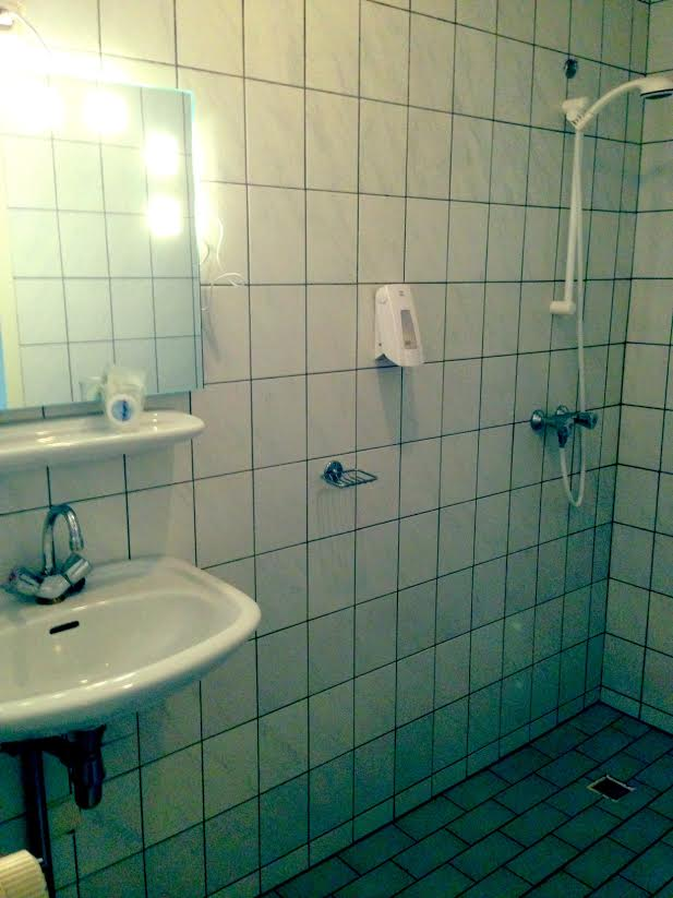4 kamer badkamer hotel de pleisterplaats for Badkamer in de kamer